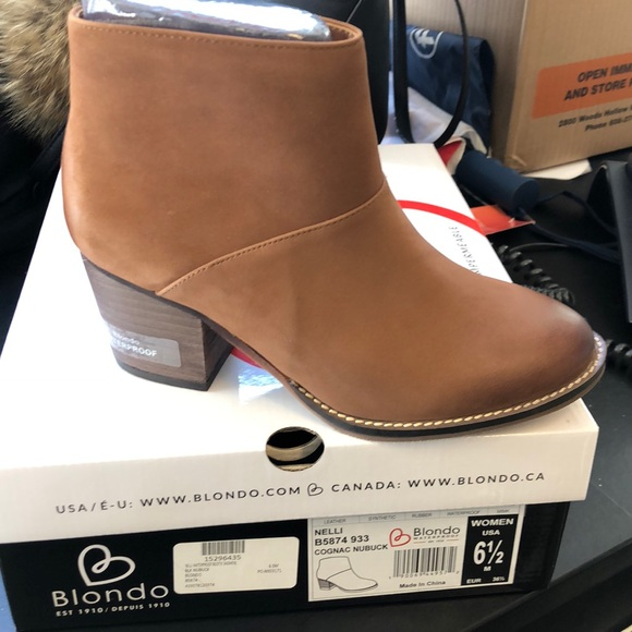 3dceb5aa716 Blondo Nelli Waterproof Leather Ankle Bootie